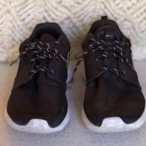 Nike Women's Roshe 9.5 Black